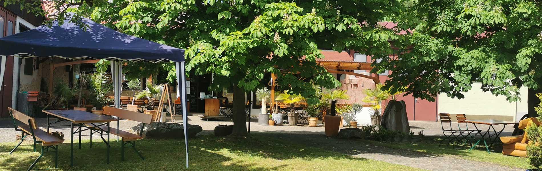 Der Biergarten im Carambolage in Klingenberg a. Main